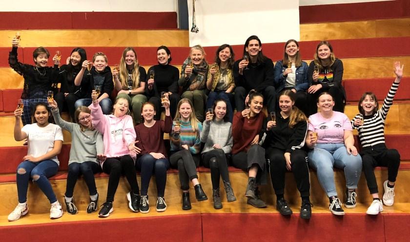 De cast & crew van GROW UP – Foto: Theater Sonnevanck