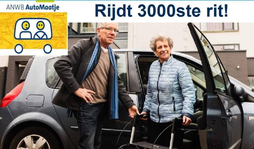 AutoMaatje is een initiatief van de ANWB, waarbij vrijwilligers met hun eigen auto minder mobiele 'buren' vervoeren binnen de wijken.