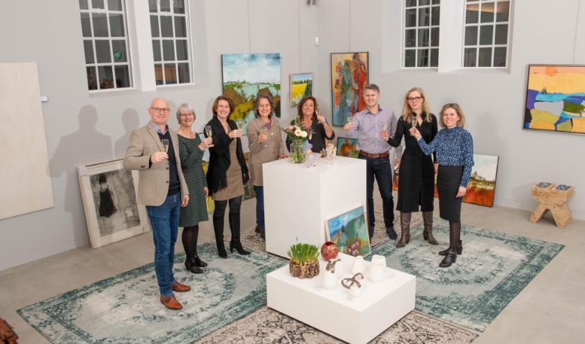 De mensen van kunst of Art en de mensen van de Kunstuitleen Stadsmuseum.