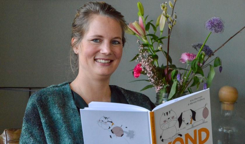 Kim Eberwijn schreef vanuit een ongeremde fantasie haar eerste boek 'Kond de kathond'. Foto: Paul van den Dungen