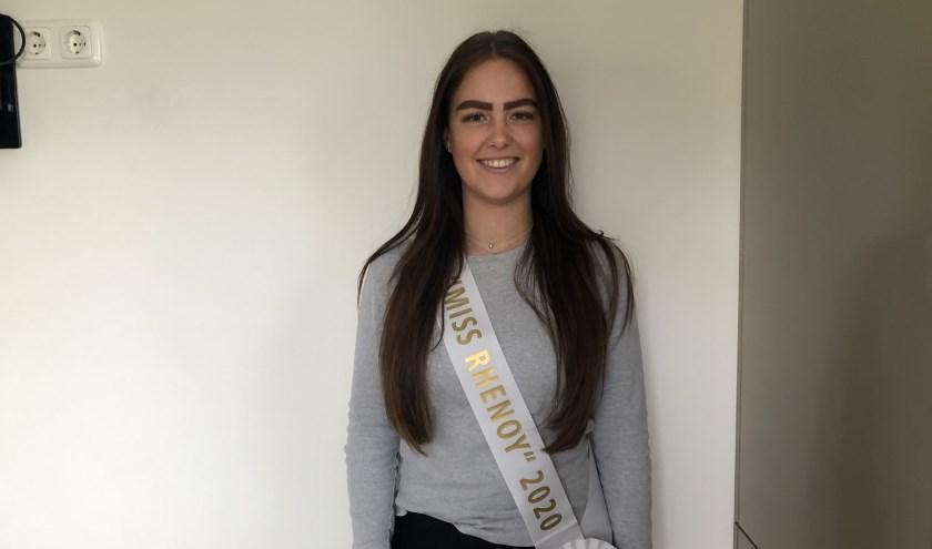 De nieuwe Miss Rhenoy: Sabine van Stappershoef. (foto: Fleur van Eeuwijk)