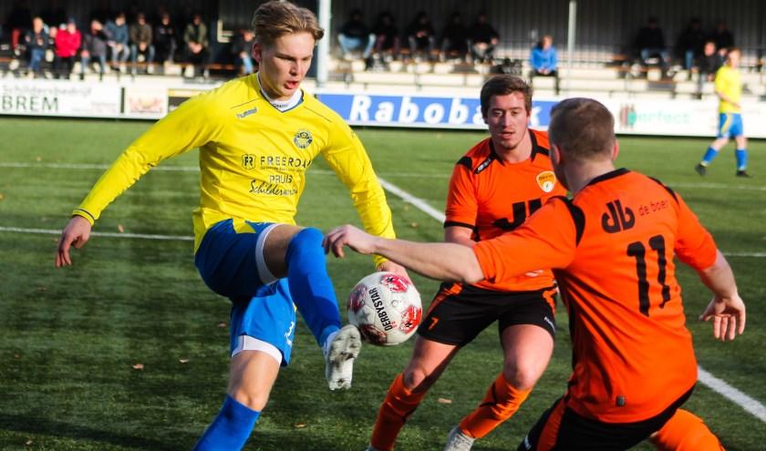 Ruben Bouwhuis brengt sv Hatto-Heim in extase. In de 89e minuut maakt hij de verlossende 1-0.