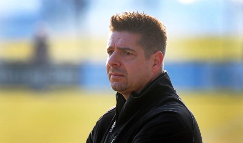 Patrick Kok is bezig aan zijn laatste maanden bij voetbalvereniging Meeuwenplaat, hij vertrekt na dit seizoen (foto: John de Pater)