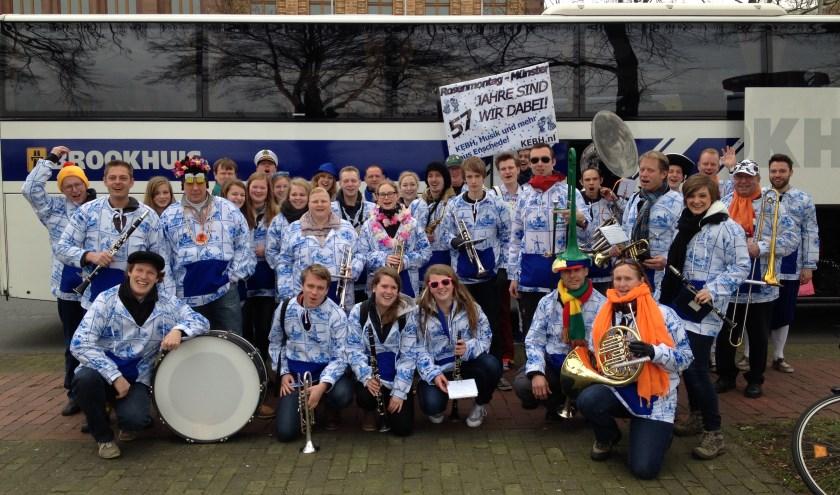 Het carnavalsensemble van de Koninklijke Enschedese Burgerharmonie.