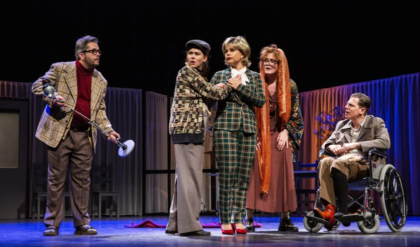Hendrik Groen, de knuffelbejaarde van Nederland, is terug in het theater. (Foto: Raymond van Olphen)