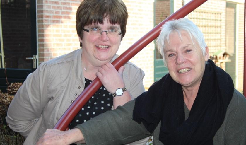 Pastoraal werker Marion Korenromp en dominee Anne-Mieke van der Plaat organiseren veertig bezinningsmomenten. (Foto: Lysette Verwegen)