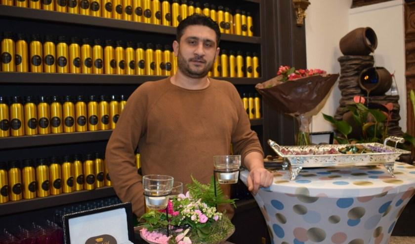 Mohamed Semhani ontvluchtte Syrië: en kan in Den Haag eindelijk weer op maat gemaakte geuren creëren.