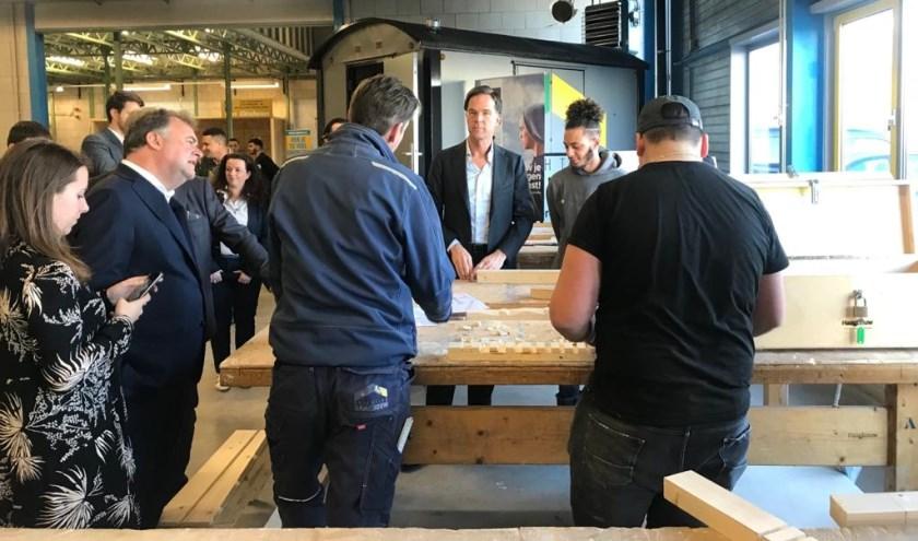 Mark Rutte opende woensdag officieel de Energie Academie aan de Kerketuinenweg.