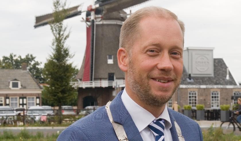 Burgemeester Jan Nathan Rozendaal looft de saamhorigheid in de gemeente Elburg.