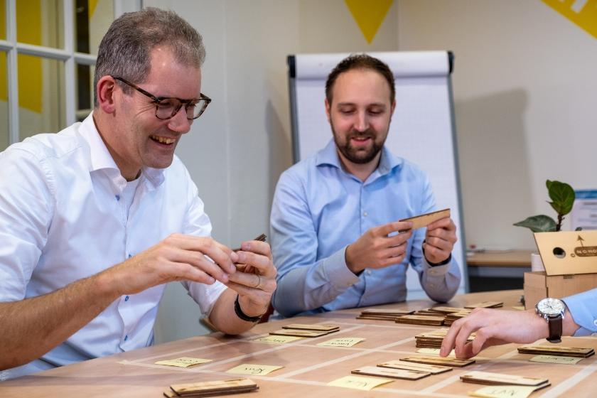 Pieter Peelen (links) van No Nonsancy, het bedrijf dat de masterclass verzorgt.