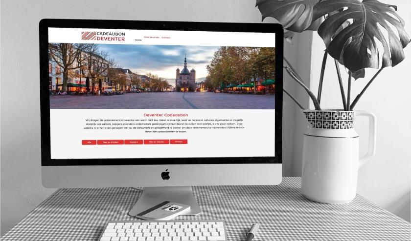 iMac met daarop de website cadeaubondeventer.nl