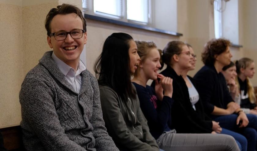 Danny Hakvoort is coördinator familiepastoraat van de katholieke kerk in de Bommelerwaard en enthousiaste initiator van CoronaContacten.nl.