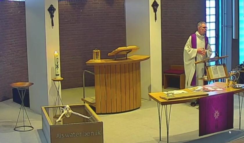 Ds. Wim Dekker in de Immanuelkerk. FOTO: Tijs Soede.