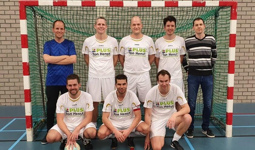 <p>Boven van links naar rechts: Sander Krijgh, Patrick Bosch, Robert Dillen, Etienne Hoekstra, Peter de Wit, Onder van links naar rechts: Jeroen van Broekhoven, Pieter van Lieshout, Jeroen Duif</p>