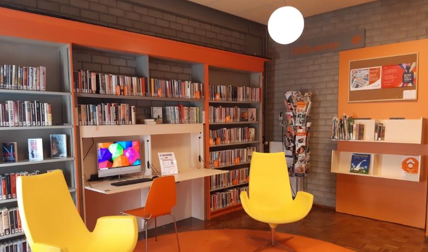 Deze nieuwe, frisse meubels zijn gemaakt door Puur Sang, en zorgen ervoor dat de bibiliotheek weer helemaal met de tijd mee gaat.