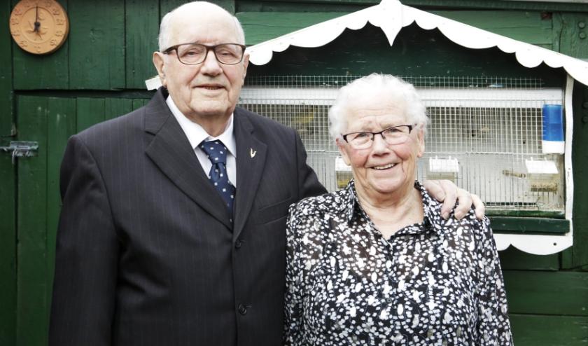 Sjef en Dora trouwden met elkaar terwijl Sjef duizenden kilometers verderop was. Foto: Jurgen van Hoof.