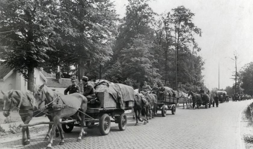 Duitse krijgsgevangenen op de Utrechtseweg bij De Bilt . (Foto: Utrechts Archief)