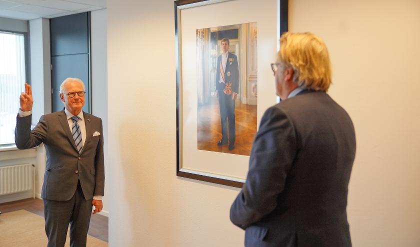 Lokker heeft er enige ervaring mee. Maandag 30 maart werd hij beëdigd tot waarnemend burgemeester Zoetermeer. Lokker was waarnemer in de Hoeksche Waard. (foto: prov. Zuid-Holland)