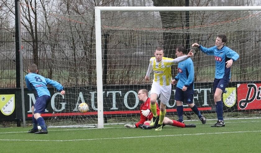 <p>Cas de Neling scoorde tweemaal voor GWVV (hier op een archieffoto).</p>