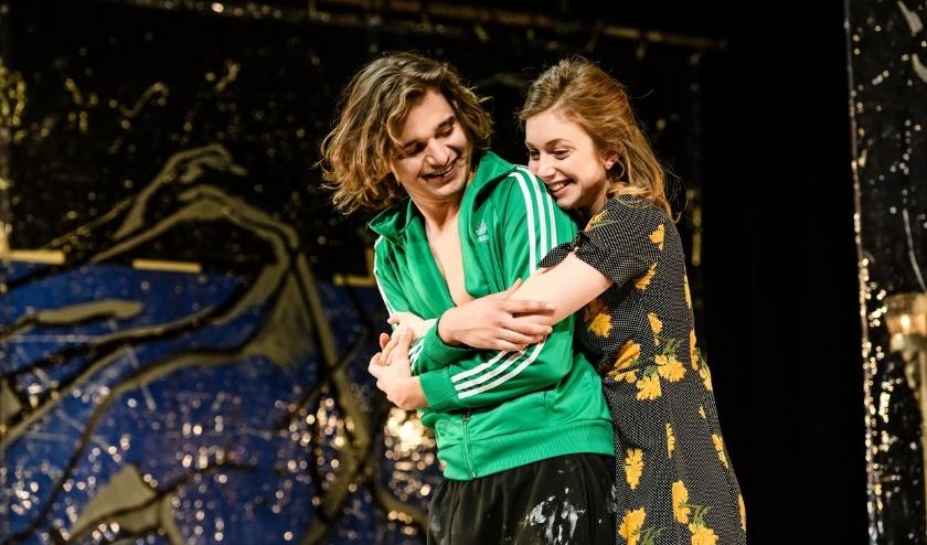 Theatervoorstelling 'Turks Fruit' stond in 2019 in De Hofnar. Nu online te zien!