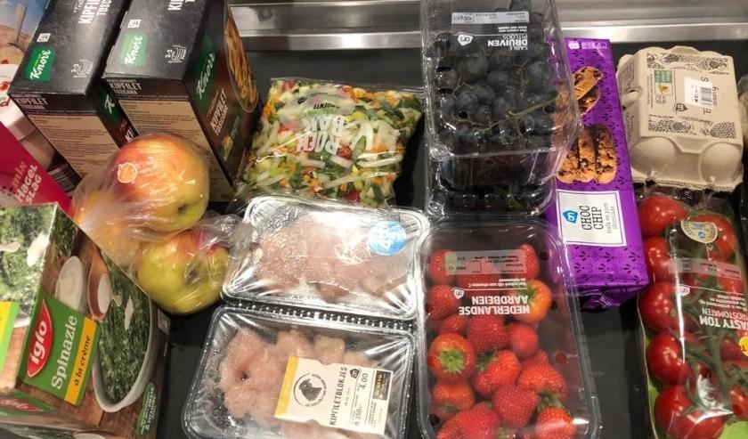 Supermarkten stellen speciale Seniorenuurtjes in, vrijwilligers doen boodschappen, Albrandswaard zorgt voor haar kwetsbare inwoners...