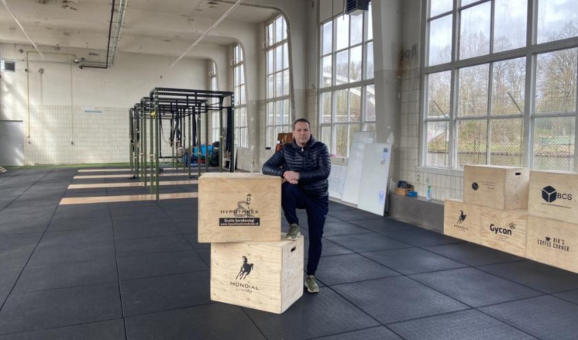 Marc Hopster in de nieuwe sportzaal van CrossFit074. (Foto: Janske ter Horst)