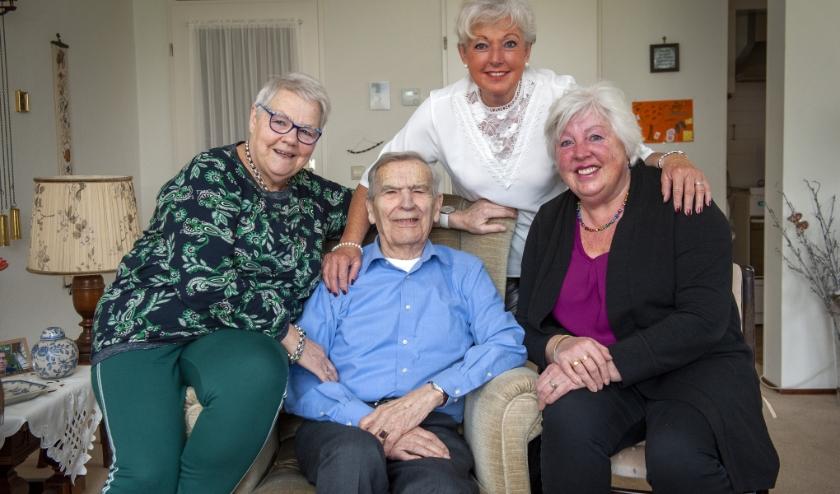 Vlnr: Mieneke Dragt, Henk Mulder, Annette Roozeboom en Hetty Stegeman. (Foto: Robert Hoetink)