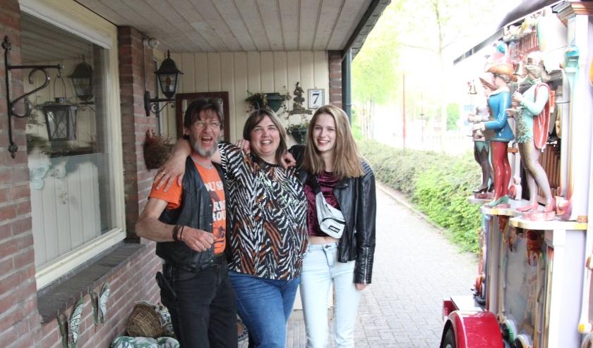 De familieleden zorgden ervoor dat het geen saaie dag werd. Foto: Johan Maaswinkel