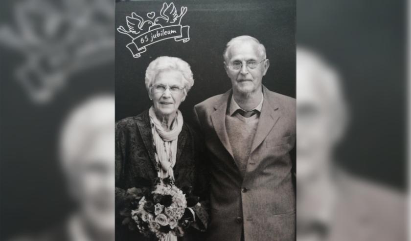 De Eindhovenaren Tinus en Tini Stokmans waren zaterdag 65 jaar getrouwd. Een briljanten huwelijk.