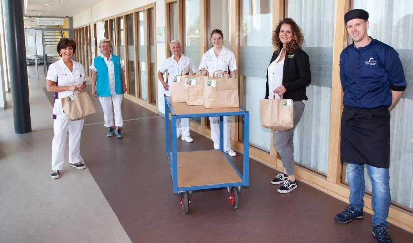 De lunchpakketten werden vrijdag bij het St. Antonius in Leidsche Rijn afgeleverd. Eigen foto