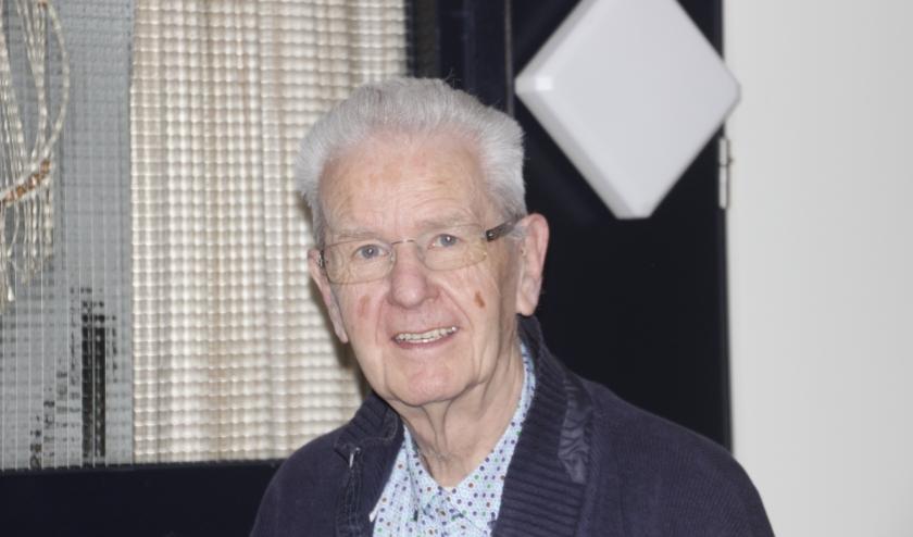 Jan Nijhoff weet heel veel over de Tweede Wereldoorlog te vertellen en wil graag dat deze verhalen levend gehouden worden