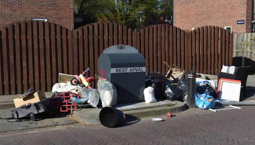 De verkleining van afvalcontainers om betere afvalscheiding te krijgen lijkt niet echt succesvol.