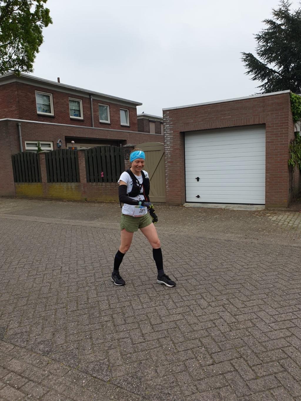 Start Doris marathon van Wenen in Best Foto: Brennie Frishert © Groeiend Best