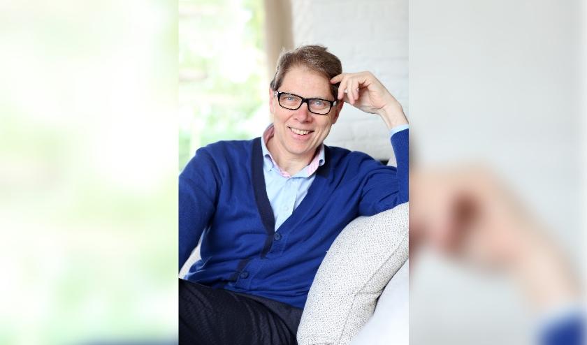 De moed is bij schrijver, cabaretier, spreker en taalkundige Wim Daniëls niet in de schoenen gezakt. Hij werkt aan een nieuw boek, geïnspireerd door het coronavirus.