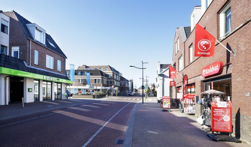 Winkels aan de Kapelstraat in Heeze. (foto: Jurgen van Hoof)