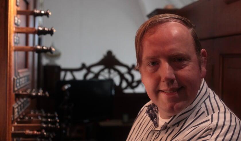 De Uddelse organist Jos Moeke. (Foto: S.Wielink)