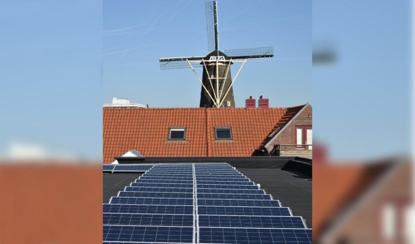 Er zijn nog straten waar je geen zonnepanelen op het dak ziet liggen en dat worden er elke dag minder.