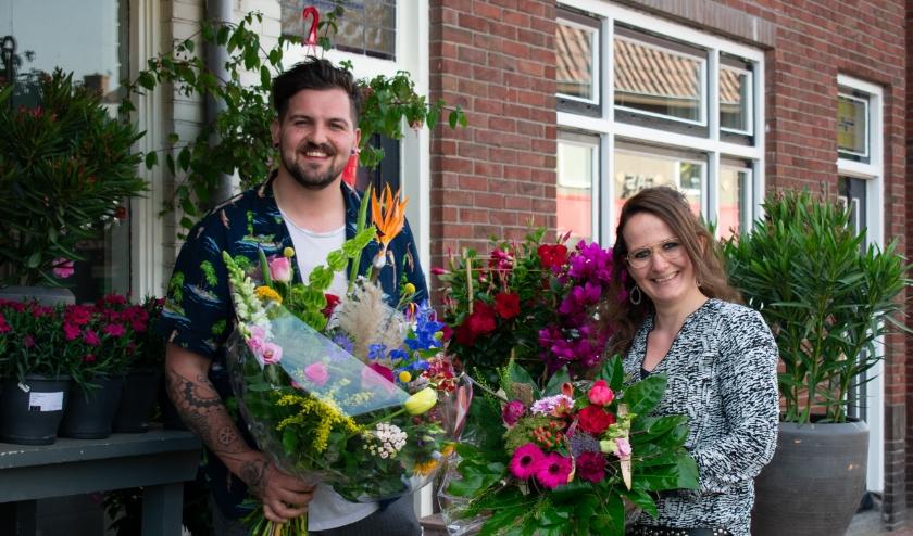 Bas Kuipers en Willine Coes van Weideman Bloem & Groen bij Bas zijn heel blij dat klanten hen nog weten te vinden. (Foto: Van Gaalen Media)