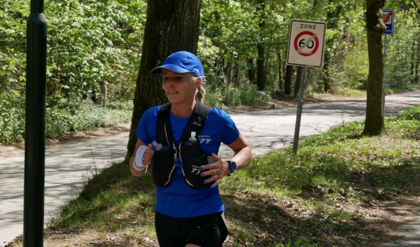 Carla de Rooij onderweg tijdens de COVID-19 Challenge
