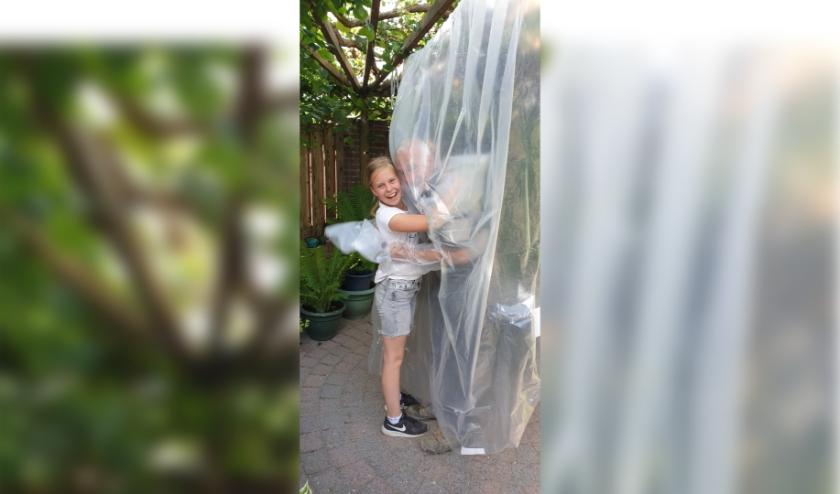 Na tien weken kon Laura weer knuffelen met opa Wim!