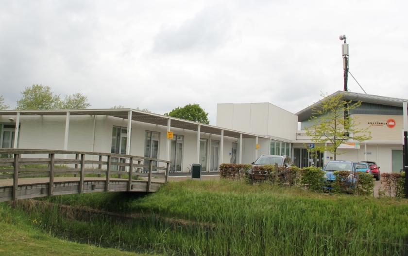 Kulturhus De Nieuwhof aan de Rivierweg in Westervoort.