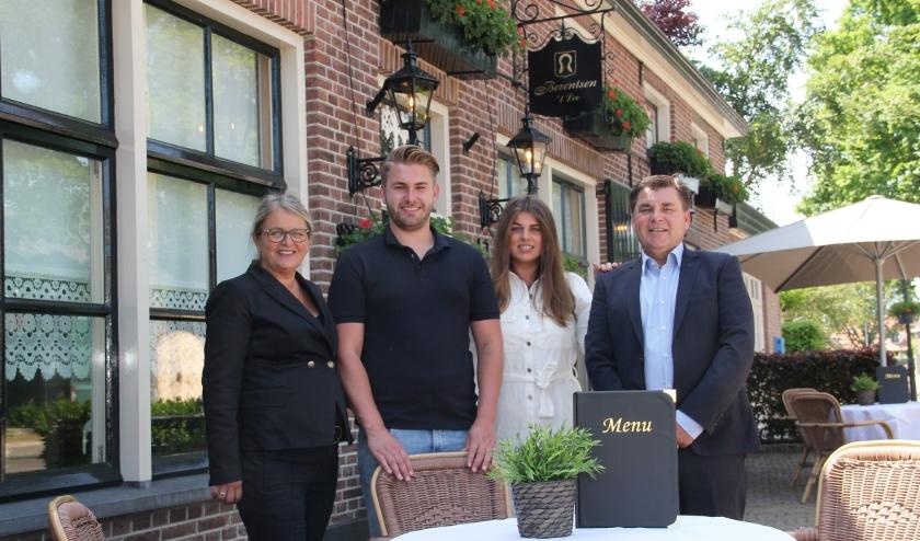 Wout en Petra Berentsen met zoon Jelle en dochter Femke, die beiden ook werkzaam zijn in het bedrijf.