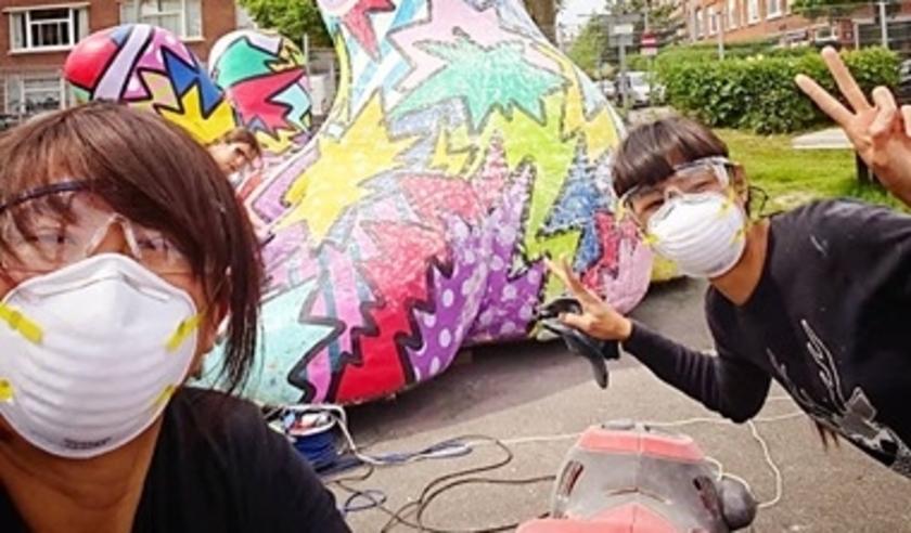 Man-Yee en Kwannie van Studio MAKY zijn zoals elk jaar weer druk in de weer om de stad vrolijker te maken.