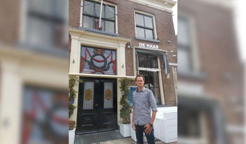"""De deuren van De Haas zijn dicht. Gerrit-Jan Vos: """"Twee jaar geleden hebben we overgenomen. Dit is heel zuur."""" (Foto: José Oosthoek)"""