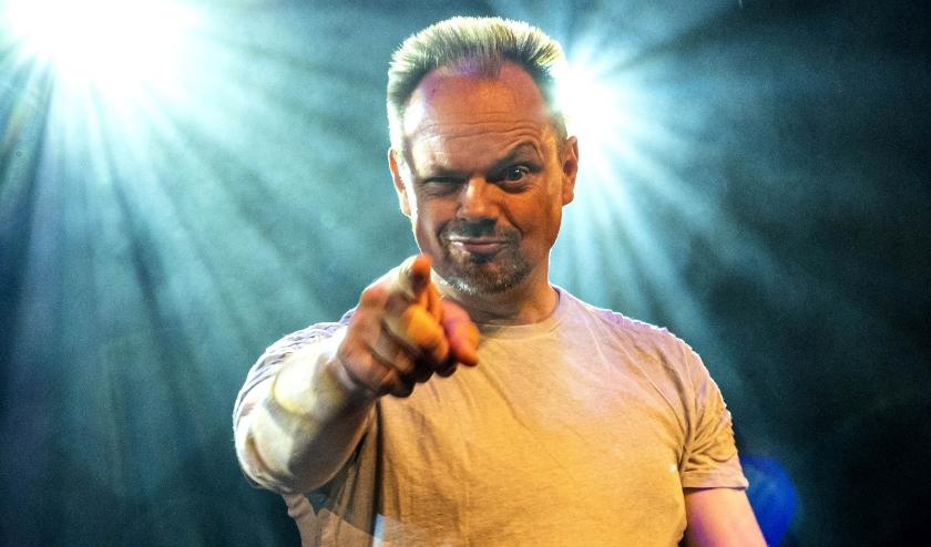 Cabaretier Silvester Zwaneveld. (Foto: Bram Jonker)