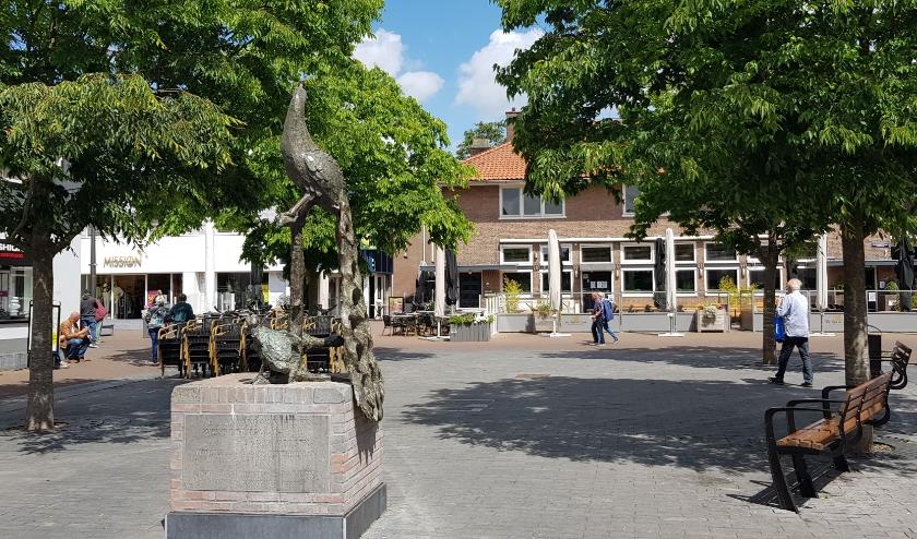 Hopelijk vanaf 1 juni a.s. weer een vol terras op het Pauwenplein?