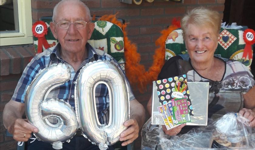 Gerrit en Elly Hop 60 jaar getrouwd.
