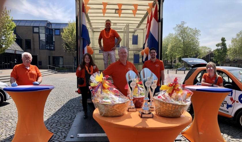 V.l.n.r. Harry Smits, Marloes Renders, Aart van der Wouw, Brian Vriens, Matjan van de Ven, Renate Jansen. Foto: Matjan van de Ven.
