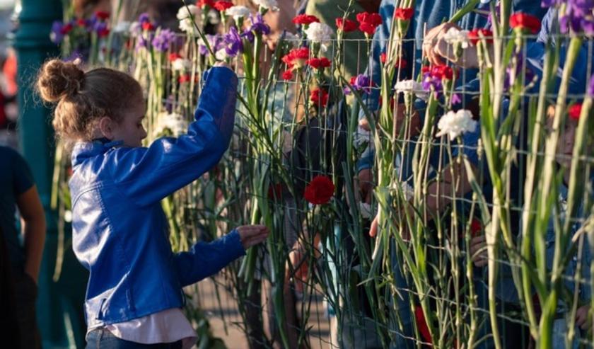 Schoolkinderen van Leidsche Rijn wordt gevraagd om een tekening van een bloem te mailen naar viermeileidscherijn@gmail.com. Eigen foto