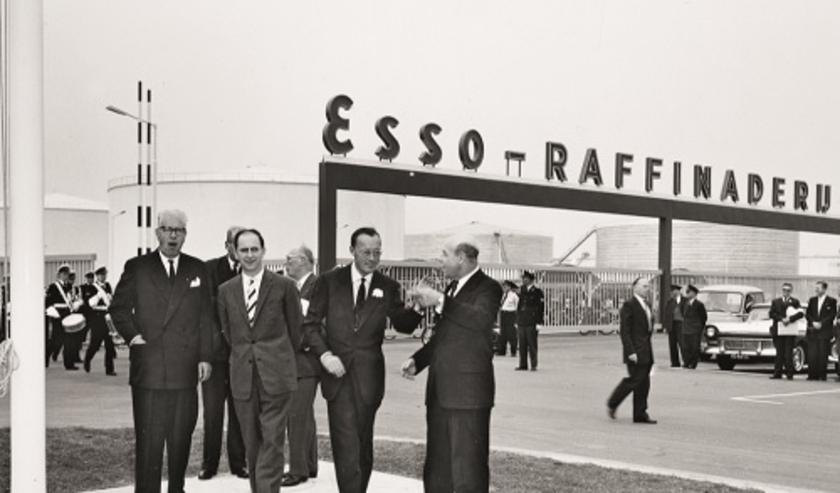 Vandaag bestaat de raffinaderij in Rotterdam 60 jaar, hij werd op 12 mei 2020 feestelijk geopend door ZKH prins Bernard. Een mijlpaal die – vanwege het coronavirus – niet uitgebreid gevierd kan worden.